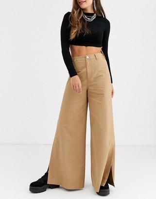 Asos Design DESIGN wide leg cargo trouser with split side-Tan