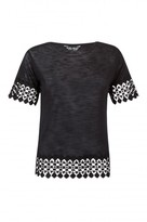 Select Fashion Fashion Womens Black Crochet Circle Hem Tee - size 6