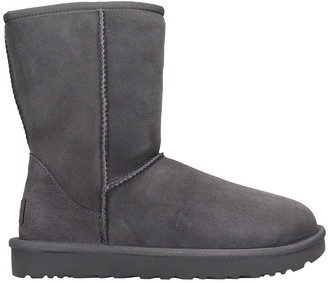 UGG Classic Short I Low Heels Ankle Boots In Grey Suede