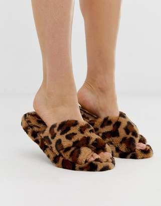 Neve Asos Design ASOS DESIGN cross strap slider slippers in leopard-Multi