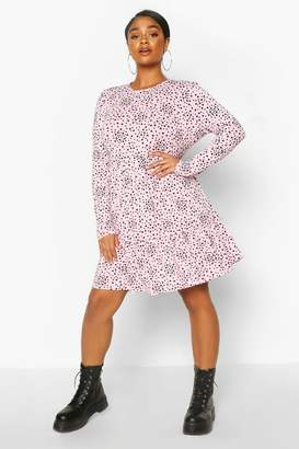 boohoo Plus Heart Ruffle Printed Smock Dress