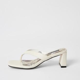 River Island Cream toe thong block heel sandals