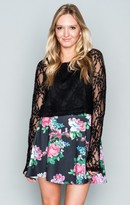 MUMU Cher Crop ~ Flower Chain Lace Black