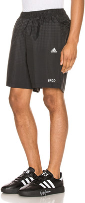 adidas Neighborhood Run Shorts in Black | FWRD