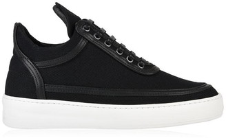 Filling Pieces Top Plain United Trainers