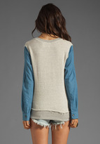 19 4t Crewneck with Contrast Sleeve in Light Grey/Blue Chambray