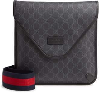 Gucci Medium GG Supreme Canvas Messenger Bag