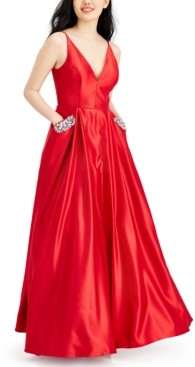 Blondie Nites Juniors' Embellished Pocket Gown