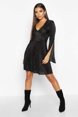 boohoo Plisse Pleated V Neck Frill Hem Skater Dress