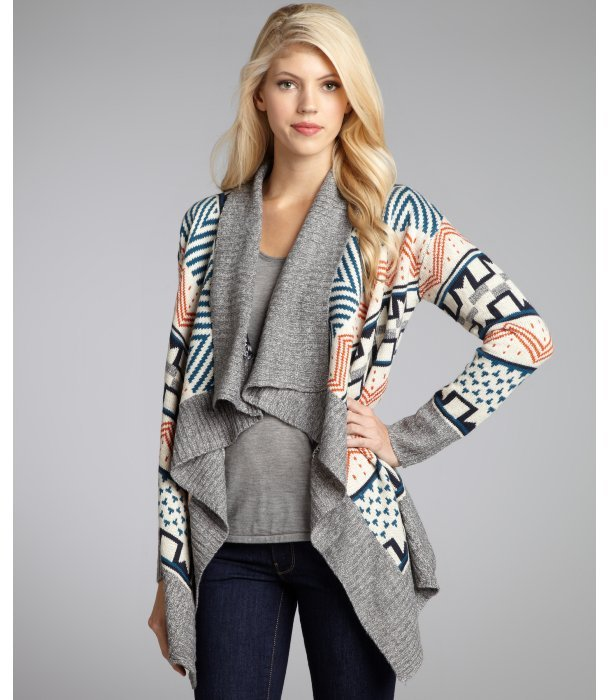 Romeo & Juliet Couture grey knit 'Aztec Waterfall' open front cardigan