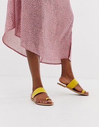Park Lane Leather Toe Loop Flat Sandals-Yellow