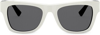 Valentino Eyewear square shaped sunglasses with VLOGO