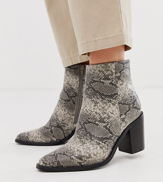 Asos Design DESIGN Wide Fit Bluebell clean western boots in gray snake