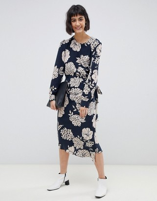 Selected Fritzi floral print wrap midi dress-Navy