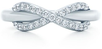 Tiffany & Co. Infinity ring in 18k white gold with diamonds