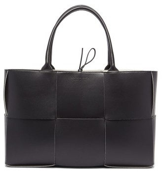 Bottega Veneta Arco Intrecciato Leather Tote - Womens - Black White