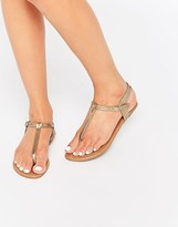 Daisy Street Gold Toe Post Flat Sandals