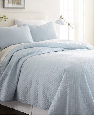 IENJOY HOME Home Collection Premium Ultra Soft Herring Pattern Quilted Coverlet Set, King Bedding