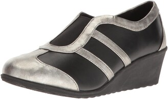 SoftStyle Soft Style by Hush Puppies Women's Mallorie Wedge Pump Black/Pewter 5.5 M US