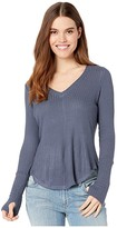Chaser Vintage Thermal Shirttail Tee with Thumbhole Detail (Capri) Women's Clothing