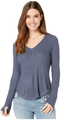 Chaser Vintage Thermal Shirttail Tee with Thumbhole Detail