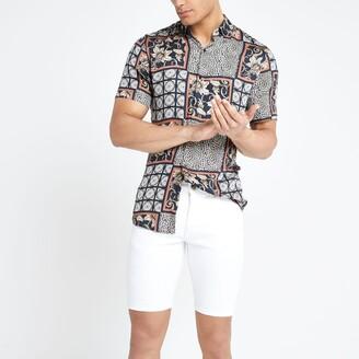 River Island Mens White ripped skinny denim shorts