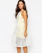 Missguided Grid Lace Prom Dress with Contrast Lining