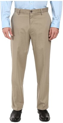 Dockers Signature Stretch Relaxed Flat Front (Timberwolf) Men's Casual Pants