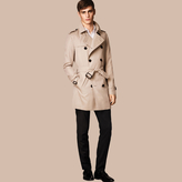 Burberry The Kensington – Short Heritage Trench Coat