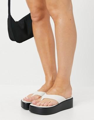 ASOS DESIGN Target premium leather toe thong flatforms in white
