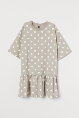 H&M Oversized Flounced Dress - Brown