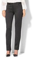 New York & Co. 7th Avenue Design Studio - Signature - Universal Fit - Slim-Leg Pant - Slim Stripe - Petite