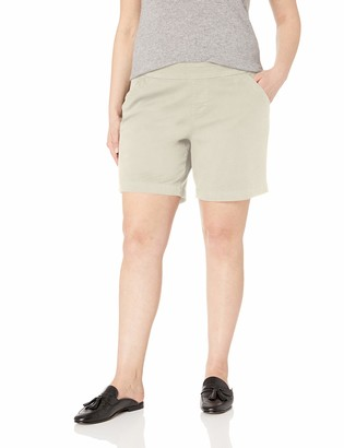 """Jag Jeans Women's Plus Size Gracie Pull on 8"""" Short"""