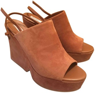 Max Mara Camel Suede Sandals