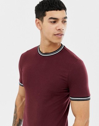 Asos Design DESIGN muscle fit t-shirt with tipping in burgundy