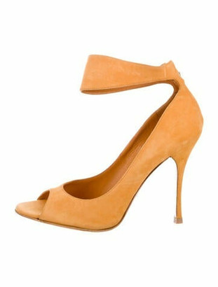 Gucci Suede Peep-Toe Pumps Yellow