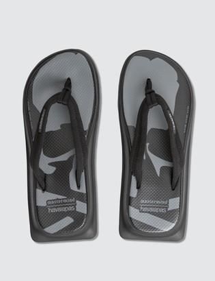 Havaianas x Mastermind Japan Zori Sandals