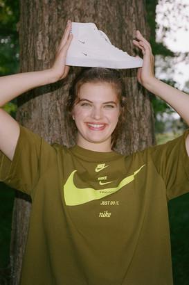 Nike Sportswear Swoosh Short Sleeve Tee