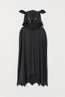 H&M Bat cape