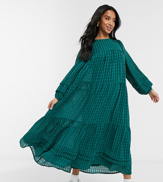 ASOS DESIGN Petite oversized maxi smock dress in self check with pintucks in forest green