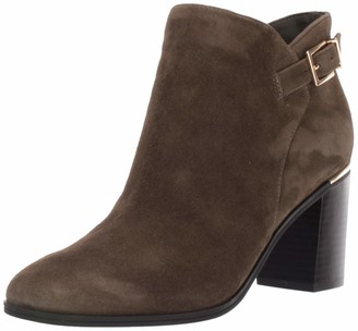 Bandolino Footwear Women's Oriela Ankle Boot