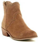 Chinese Laundry Saunter Scalloped Bootie
