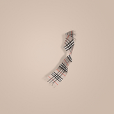 Burberry The Classic Cashmere Scarf in Heritage Check