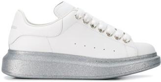 Alexander McQueen Oversized glitter sole low-top sneakers