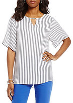 Preston & York Mary Keyhole Neck Short Sleeve Blouse
