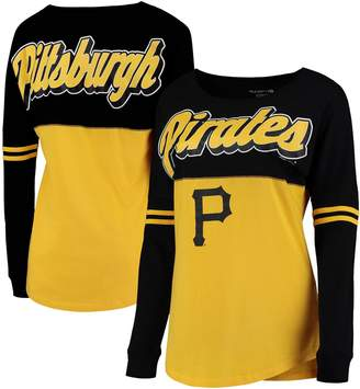 New Era Women's 5th & Ocean by Gold Pittsburgh Pirates MLB Baby Jersey Varsity Crew Boyfriend Long Sleeve T-Shirt