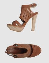 MAKI UEHARA TOKYO Platform sandals