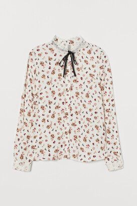 H&M Tie-collar blouse with lace