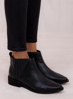 Urge Black Lizard Flick Boots