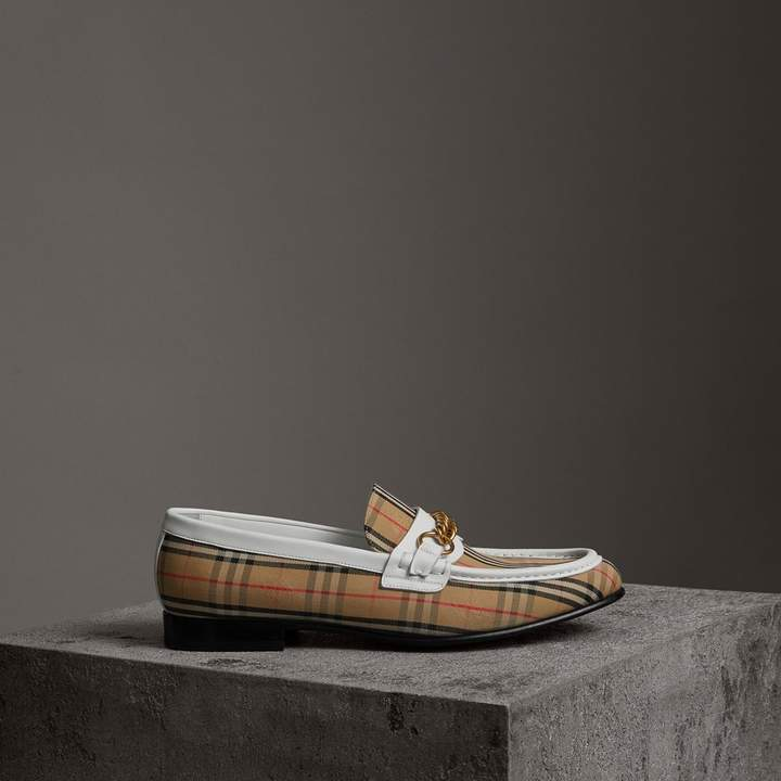 Burberry The 1983 Check Link Loafer , Size: 40, White